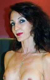 Actrice amatrice Lyna