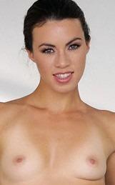Actrice amatrice Tiffany Doll