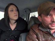 Chauffeur baise une touriste en club libertin