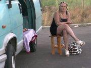 Kaelyce grosse coquine baiser dans un van