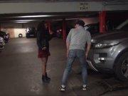 Kali baisée à l'arrache dans un parking