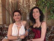 Une bite pour Tania Kiss et Amelie Pucycat