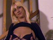 Suzanna une blonde qui aime la baise hard