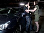 Lola Vinci se fait défoncer dans un parking souterrain