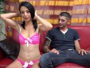 Juliana Lust offre son corps devant la caméra