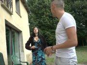 Coralie Fever et Candice Marchal sur la queue de Vince