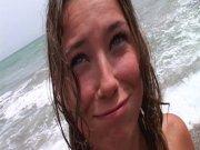 Calia veut se faire prendre à la plage
