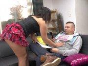 Eva Pink encule son mec avec un gode ceinture