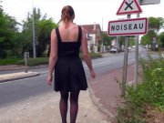Missy Charme mature nue dans la rue et baise à gogo