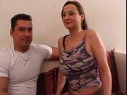 Les gros seins laiteux d'une espagnole