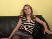 A 20 ans Jessica teste la sodomie