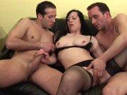 Trio sexe pour Angelinna