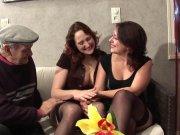 Nina Feline, Emy Russo font la fête à papy